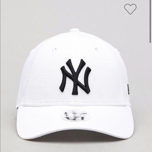 NY WHITE HAT